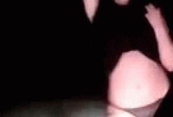 Пяная дагестанка танцует стрипуху с голыми сиськами в трусиках